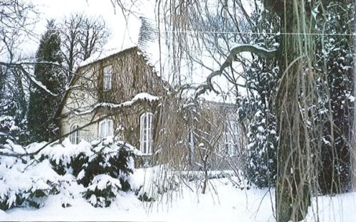 Casa in care s-a nascut Frederic Chopin, asa cum arata sub iarna poloneza