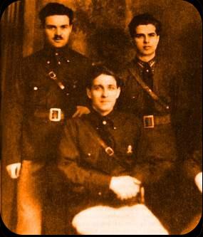 Corneliu Zelea Codreanu(aşezat) şi Emil Cioran (dreapta)