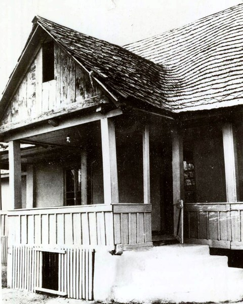Casa din Scorniceşti unde s-a născut Ceauşescu, la 26 ianuarie 1918