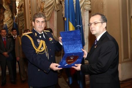 http://rahoveanu.files.wordpress.com/2010/10/boc-medalie.jpg?w=450&h=300